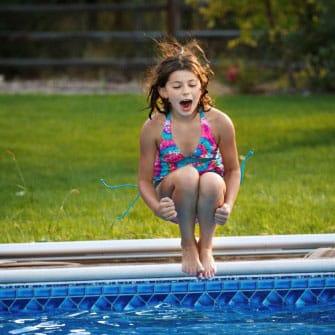 kid-pool-jump